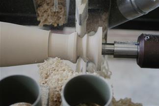 Tornitura legno a controllo numerico