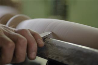 Tornitura del legno a mano